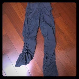 Lululemon grey cargo Dance Pant SZ 4